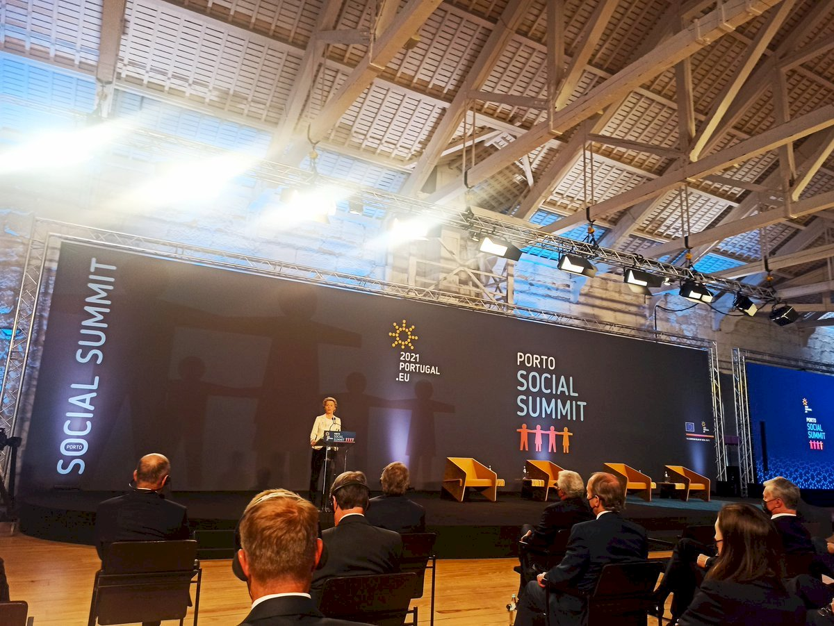 #Porto #SocialSummit the opportunity to turn principles into action Clear targets that we have the responsibility to achieve https://t.co/VG7j7RcgJh
